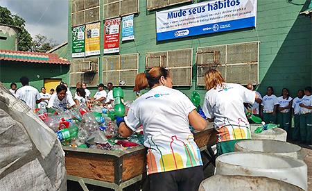 De acordo com estudo do Ipea (Instituto de Pesquisa Econômica Aplicada) divulgado no último ano, apenas 13% de todos os resíduos sólidos urbanos do Brasil são destinados de forma correta à reciclagem.